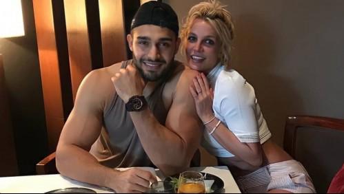 Britney Spears le desea un feliz cumpleaños a su novio bailando