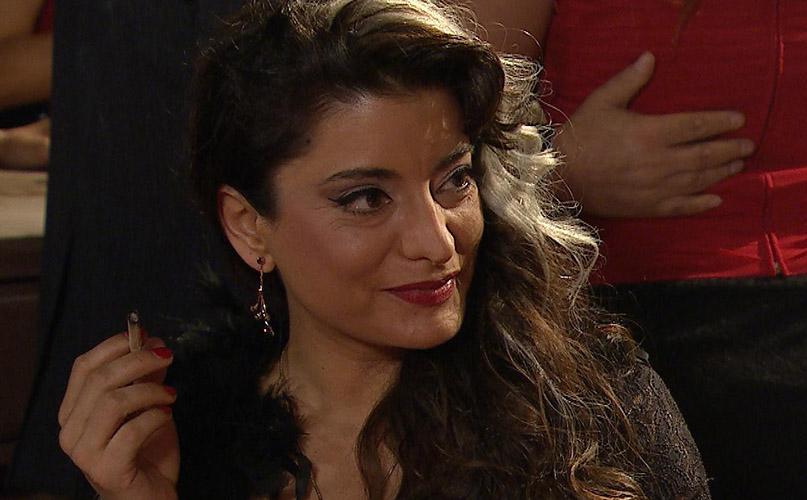 Daniela Lhorente como la