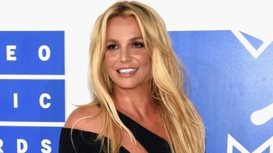 Britney Spears desconcierta a sus fans al publicar foto de un bebé con rostro de calavera