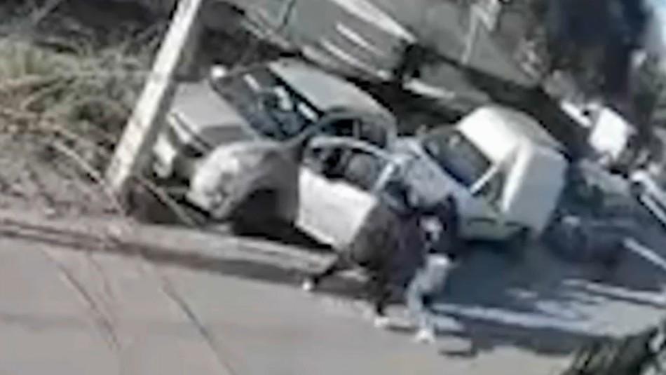 Madre que entregó a su hijo a la policía por robo auto: No quiero que vaya al Sename