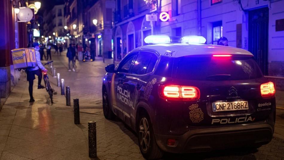 Mujer sufre abuso de 17 jóvenes en Madrid.