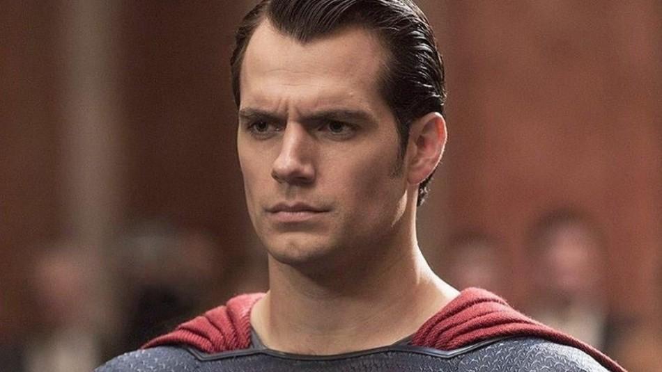 ¿Ya sabes quién es la novia de Superman?: Las fans de Henry Cavill lloran y creen que es Adele