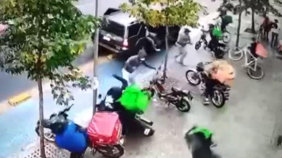 Se investiga venganza: video registra ataque a motoristas delivery en Santiago