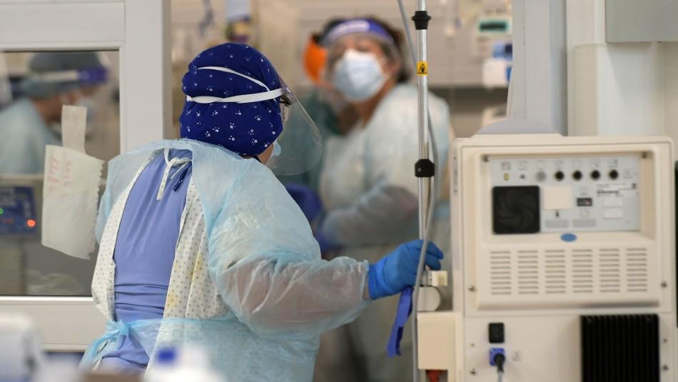 Balance Minsal: 7.696 nuevos contagios, 132 fallecidos y quedan 193 camas críticas