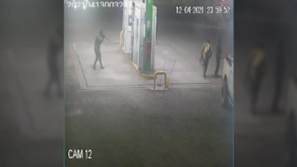 Video capta momento exacto del ataque incendiario en servicentro de Victoria