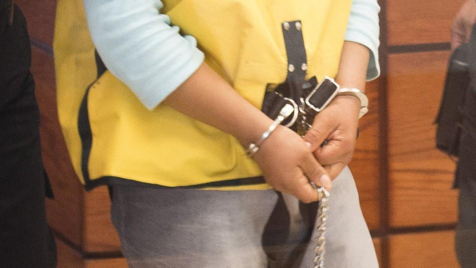 Mujer mató a su novio de 35 puñaladas y le rebajan la condena: Afirman que no hubo ensañamiento