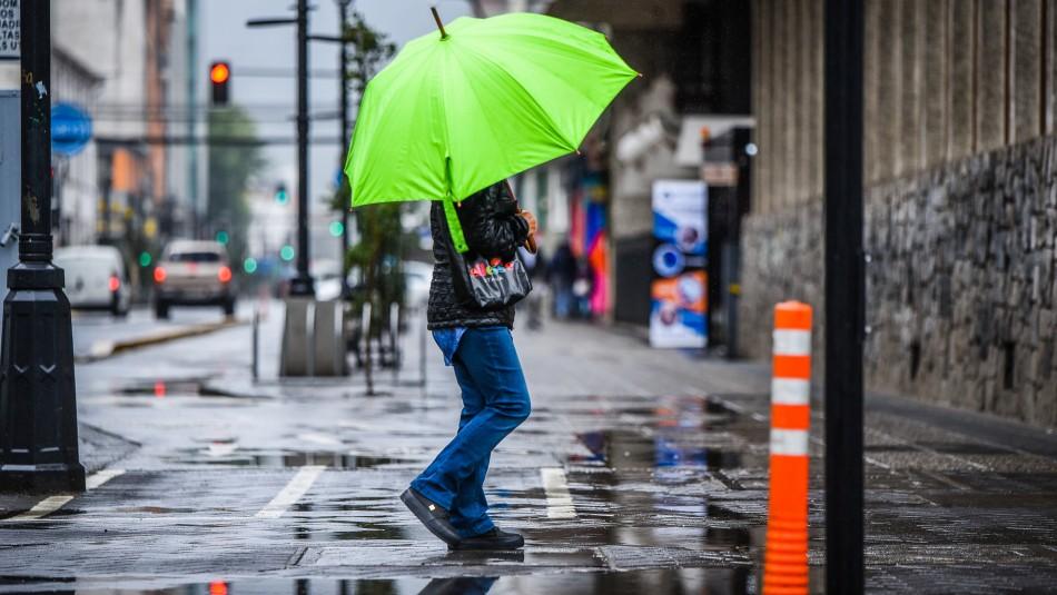 Lluvia en Santiago: revisa la cantidad de agua que caerá la próxima semana
