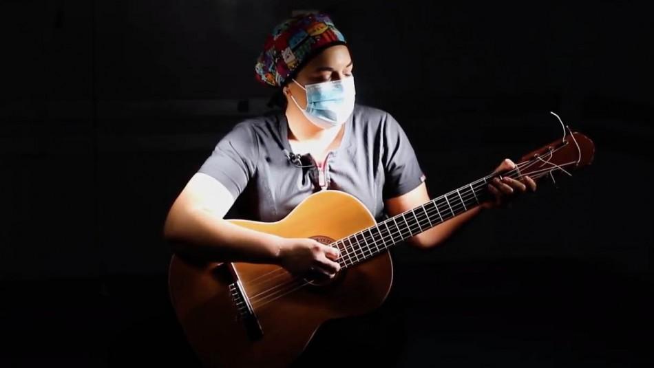 Doctora crea himno en plena lucha al coronavirus.