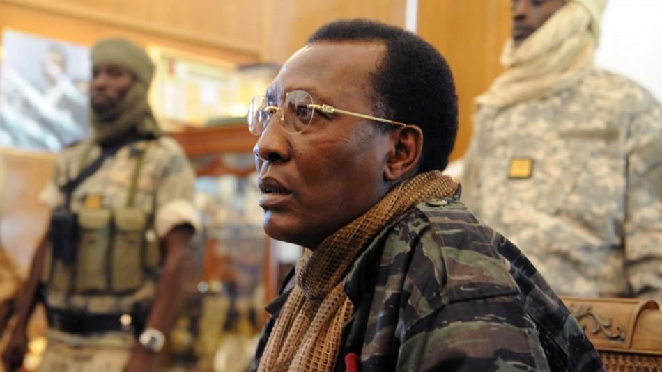 Muere el presidente de Chad tras resultar herido en enfrentamiento militar