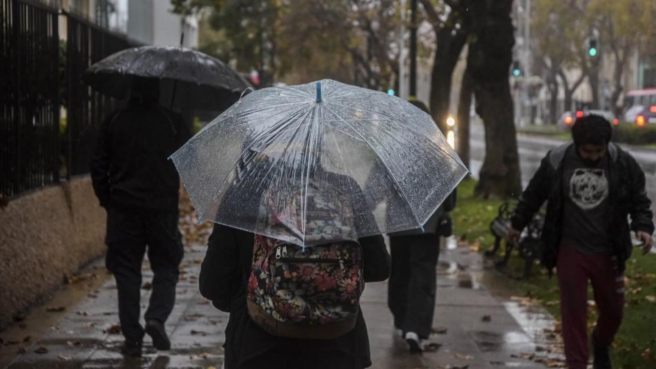 Tras escasa caída de agua: ¿Cuándo volvería a llover en Santiago?