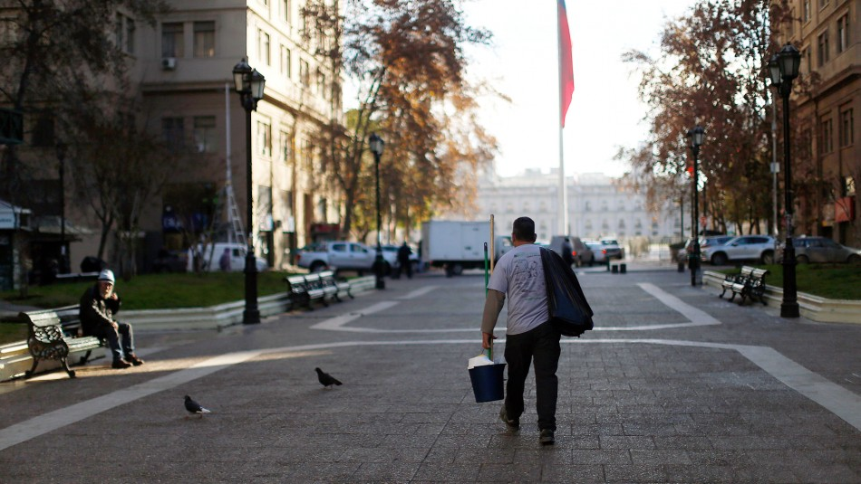 Tasa de desempleo en el Gran Santiago llega al 11,3% en marzo