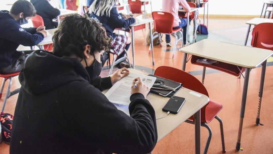 ¿Interrumpiste tus estudios?: Conoce cómo validar los cursos de enseñanza básica o media