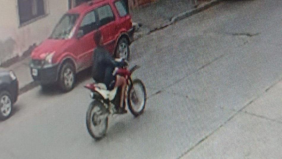 Motociclista atropella a menor de 3 años y se da a la fuga.