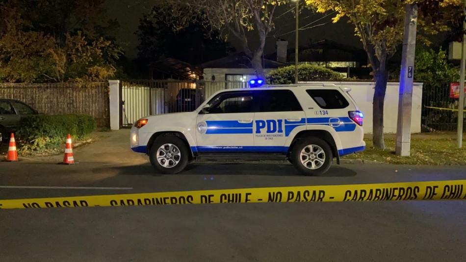 Asaltan casa de general en retiro de Carabineros: Vehículo de seguridad se volcó en persecución