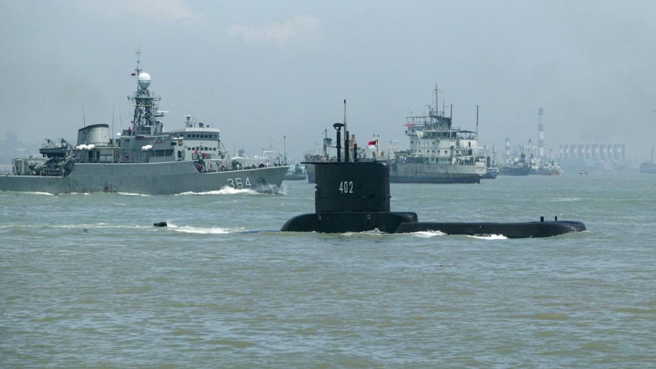 Equipos de rescate encuentran restos del submarino desaparecido en Indonesia