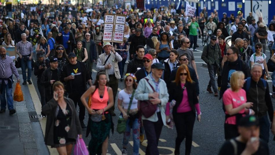 Manifestación contra el confinamiento y la vacunación dejó cinco detenidos en Londres
