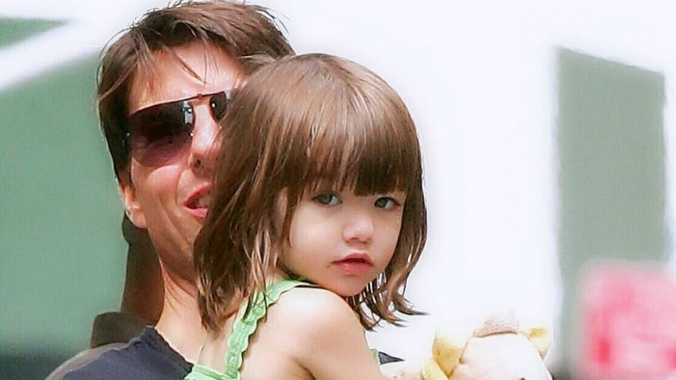 La hija de Tom Cruise cumple 15 años y su mamá publica tres fotos inéditas para felicitarla