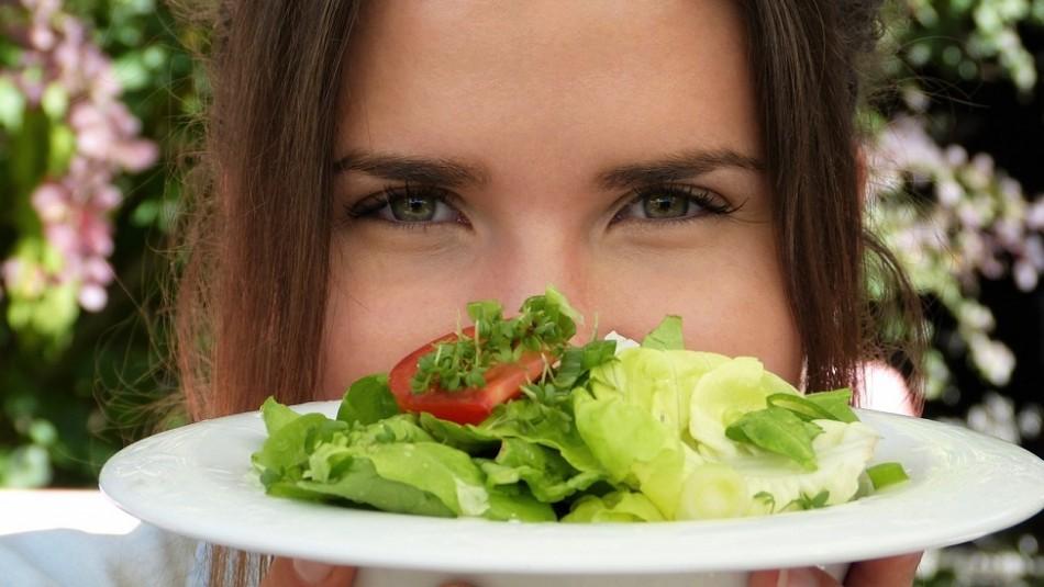 Esta es la dieta de 3 nutrientes especiales para las mujeres de más de 50 años