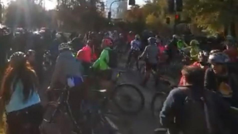 Nuevamente ciclistas llegan a manifestarse en las cercanías de la casa del Presidente Piñera