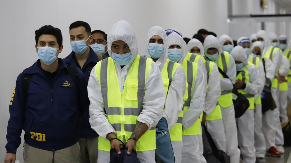 Nueva Ley de Migración: Partió el primer vuelo con 55 extranjeros expulsados del país