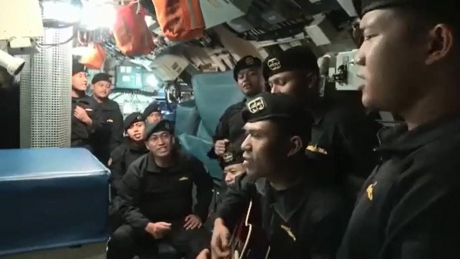 Video muestra cantando a la tripulación del submarino que naufragó con 53 tripulantes