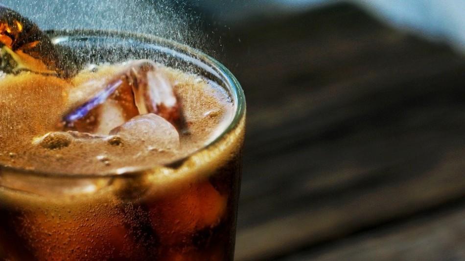 ¿Mito o realidad? Descubre si las bebidas cola sirven o no para destapar las cañerías