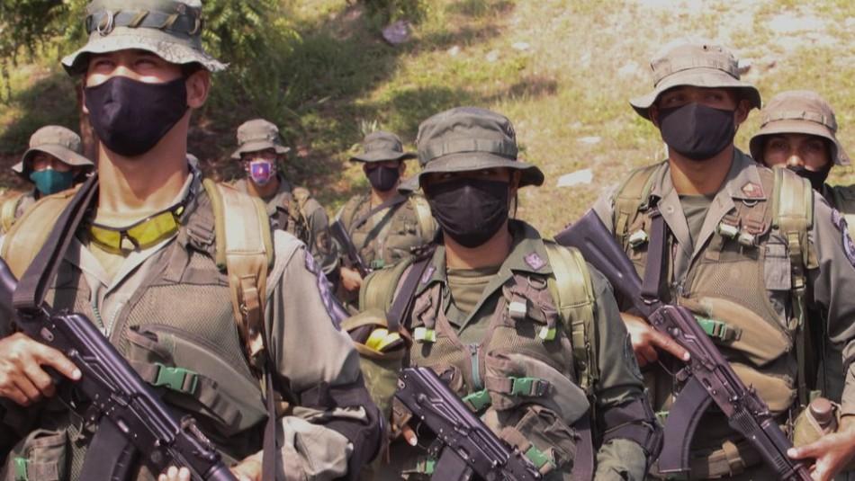 Un guerrillero graba video de militares asesinados en territorio venezolano y lanza amenaza
