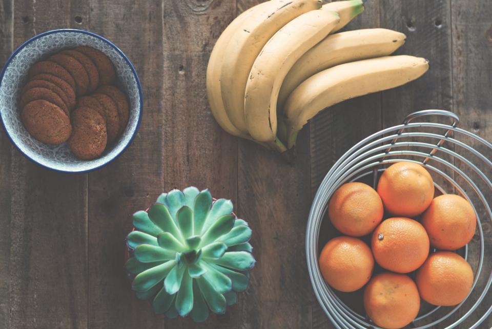 Plátanos y naranjas tienen altos porcentajes de Vitamina C