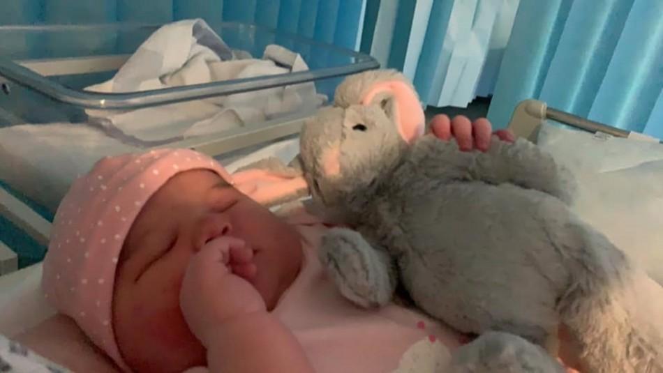 Nace una bebé de 5.8 kilos: los doctores creían que era un embarazo de gemelos