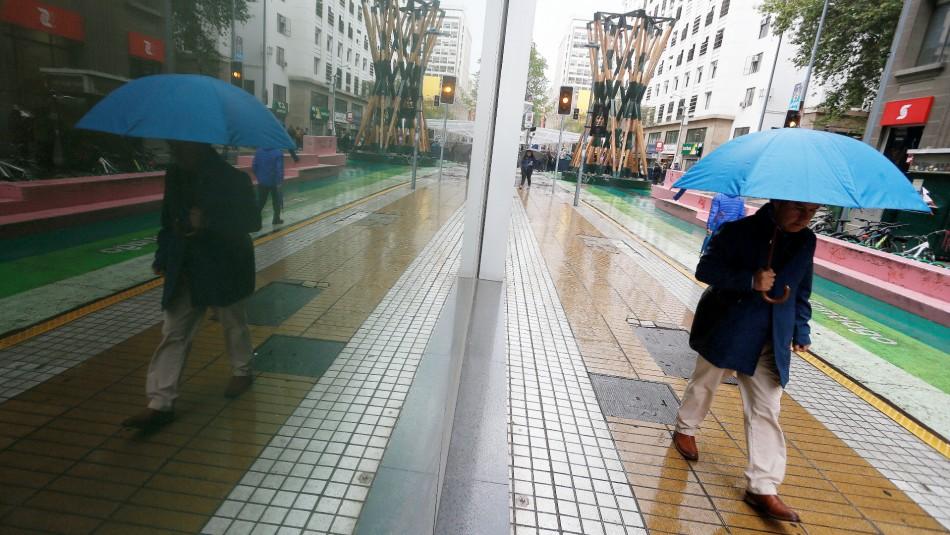 Lluvia en Santiago: revisa en qué sectores de la RM caerá agua