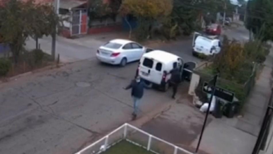 Violenta encerrona: Cámaras se seguridad captaron tenso momento en Cerro Navia