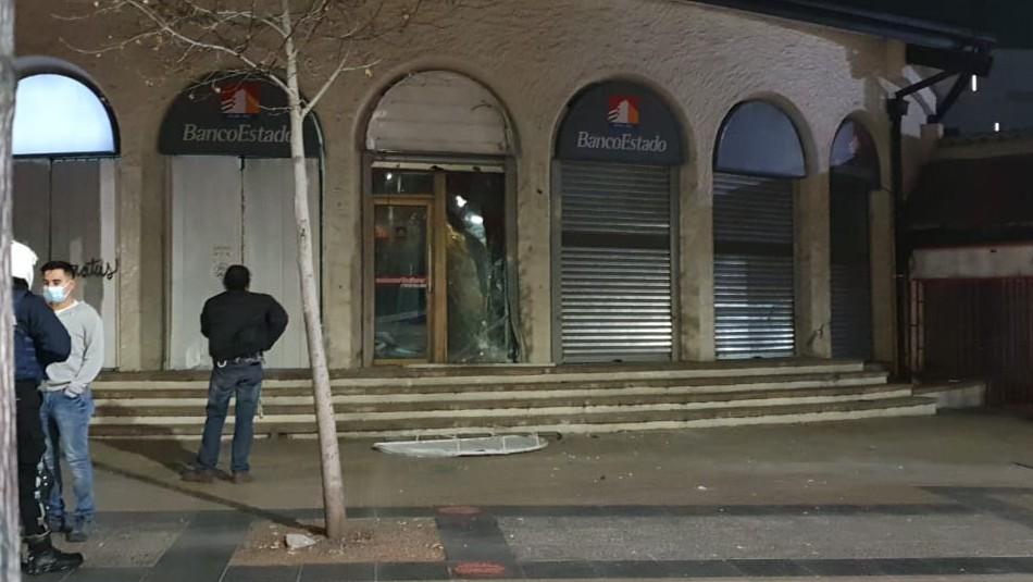 Explosión en mall Apumanque afecta a sucursal de BancoEstado