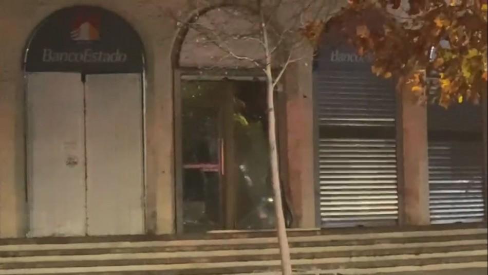 BancoEstado por ataque a sucursal de mall Apumanque: