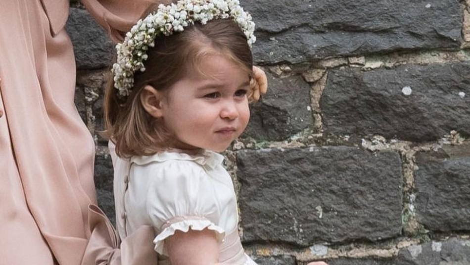 La princesa Charlotte enternece en su cumpleaños con el cabello suelto y un vestido de flores