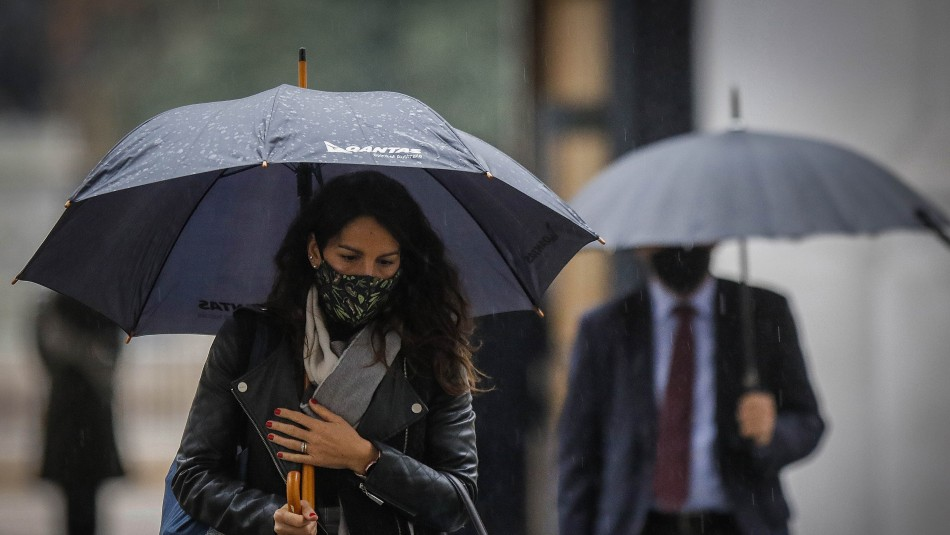 Sistema frontal en Santiago: Lluvia se presentará de manera abrupta y en corto período de tiempo