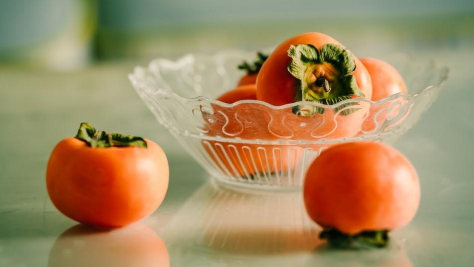 Caquis en otoño: Las mejores propiedades de esta fruta estacional