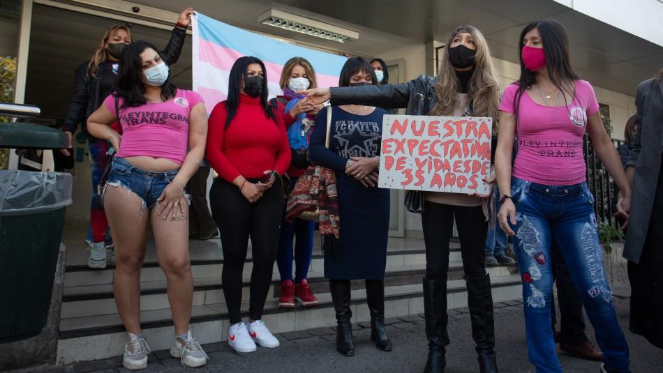 Joven mujer trans en riesgo vital tras ataque con perdigones: