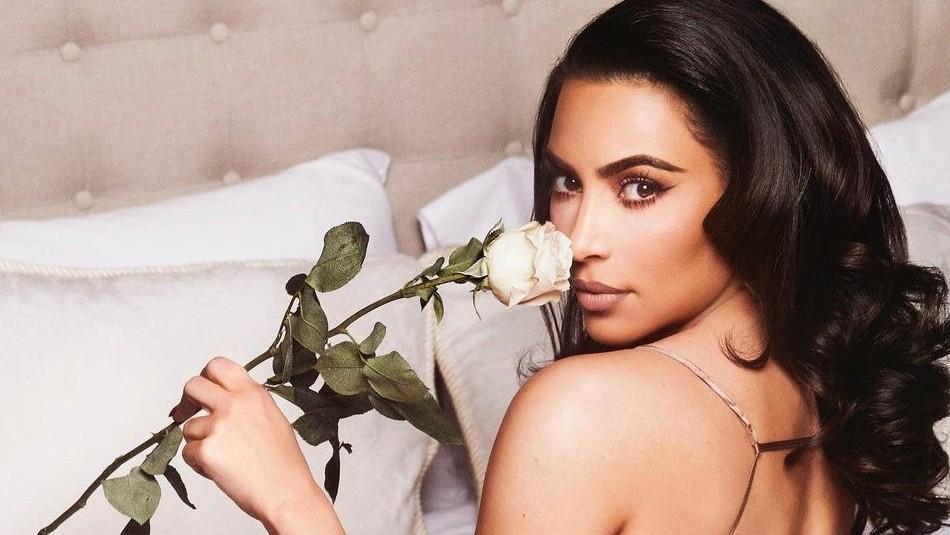 Kim Kardashian se quita el maquillaje y deja ver sus ojeras antes de irse a la cama con su hija