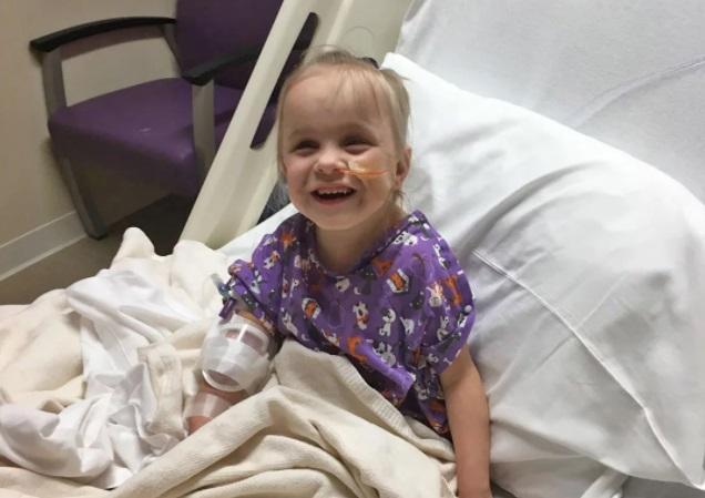 Kyleigh Kulage tras su trasplante de riñón
