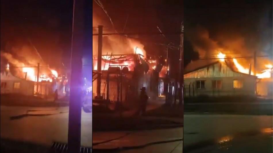 Incendio destruyó empresa y camiones para la recolección de basura en Coyhaique