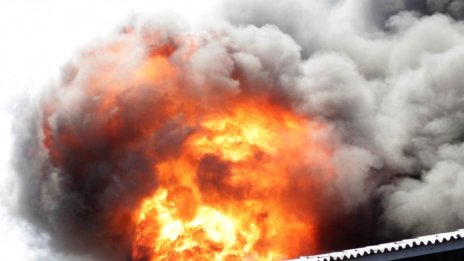 Incendio afectó a varias viviendas en Viña del Mar
