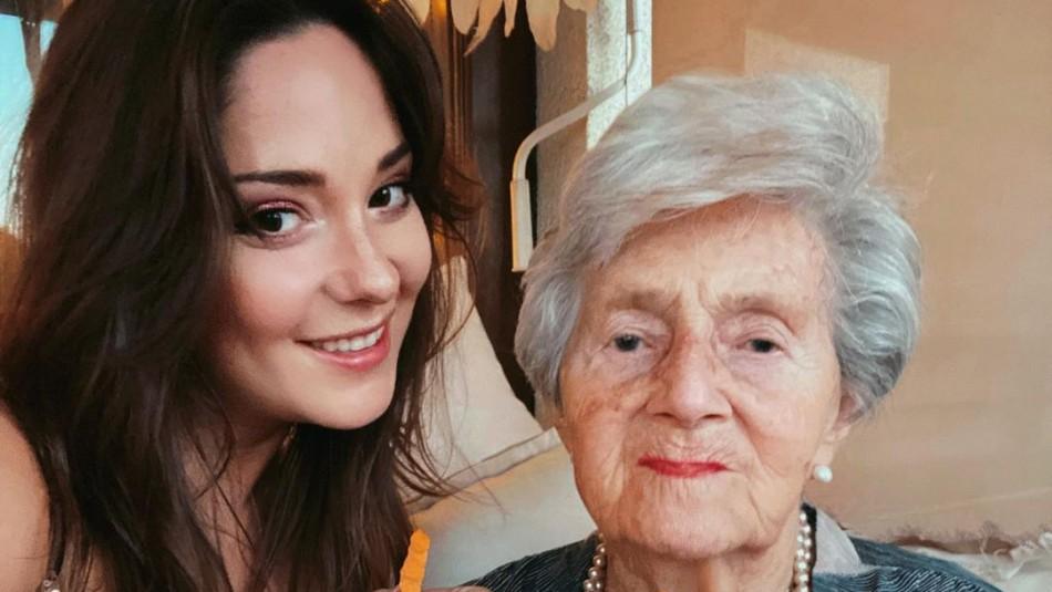 Kel Calderón y su abuela