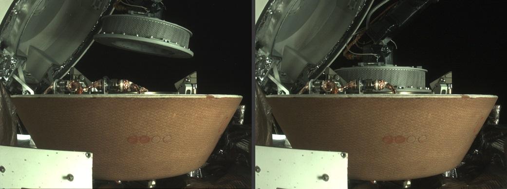 Nave almacenando muestras de material espacial