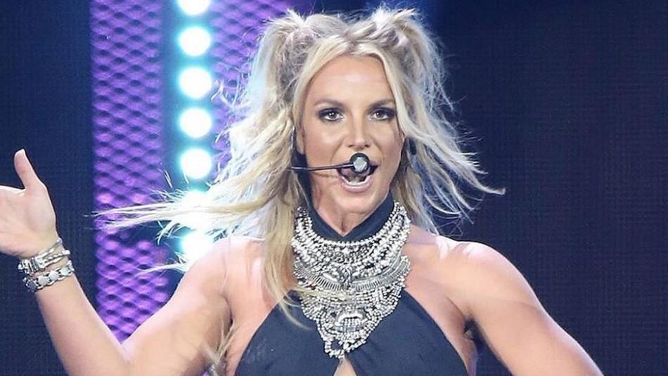 Britney Spears se tiñe el cabello, viste animal print y la comparan con la Tigresa del Oriente