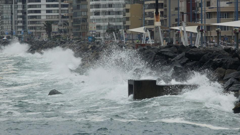 Emiten aviso por marejadas desde viernes a domingo: Revisa dónde se producirá el fenómeno