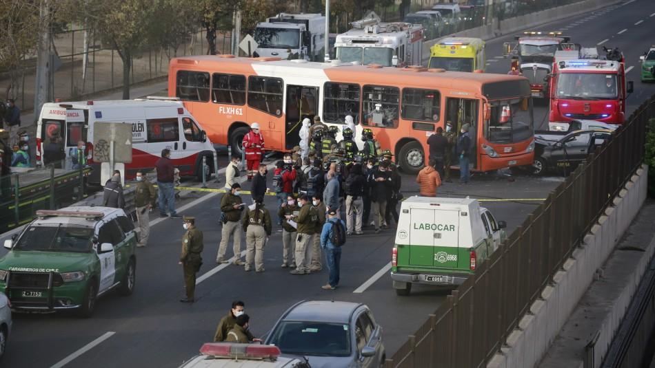 Robo y posterior choque de bus del Transantiago genera gran taco en autopista Vespucio Sur
