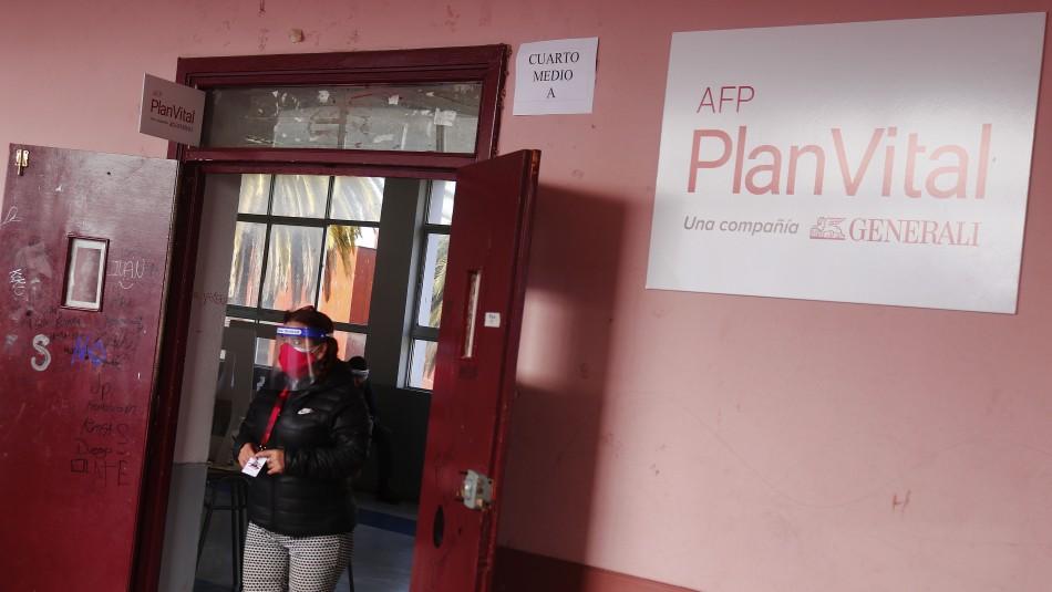 Bono $200 mil: AFP Uno y PlanVital también habilitan sus sitios para solicitar el dinero