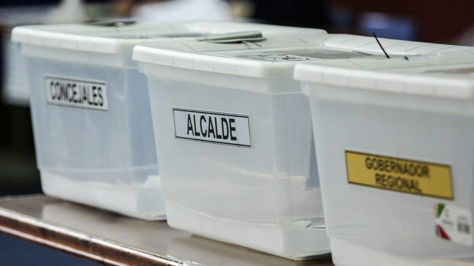 Votación comenzó con urnas sin sellar en local de Puente Alto: Pasaron cinco horas abiertas