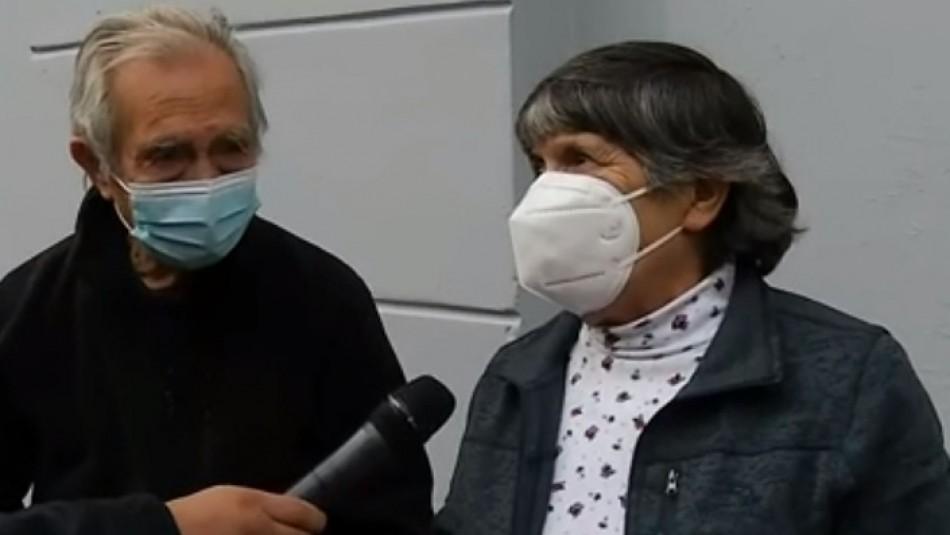 Hombre de 92 años y su hermana de 77 esperan dos horas para votar por falta de vocales de mesa