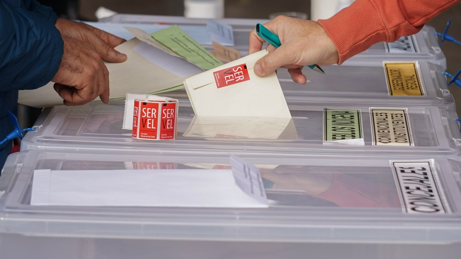 La gran diferencia de participación entre votantes del sector oriente y otras comunas de la RM